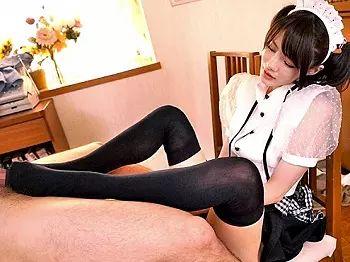 【SM】「ほら!くっさいちんぽ出せよ!」ニーハイ履いてSプレーしてくれるムチムチボディーの妹にフルボッキした変態兄www