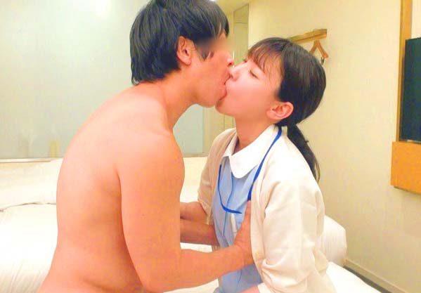 【素人看護師】「おちんぽ診察してあげる♡」現役ナースが童貞君を筆おろし!!未使用ちんぽを膣内ぶち込まれ生ハメ中出し!