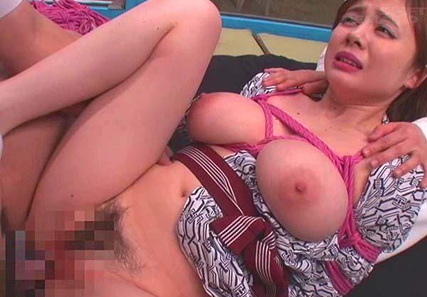 【MM号】H乳人妻にエロマッサ!「ダメッ。そんなとこッ♡」発情しスケベ汁ダラダラの膣内にデカチンぶち込まれ快楽堕ちwww